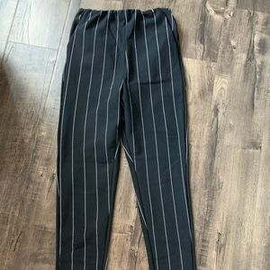 Fitted stripped pants